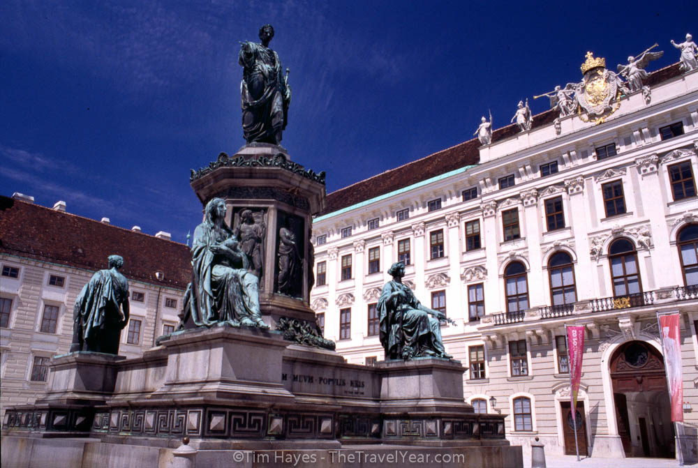 The Hofburg Imperial Palace, facing the Kaiserappartements and statues.