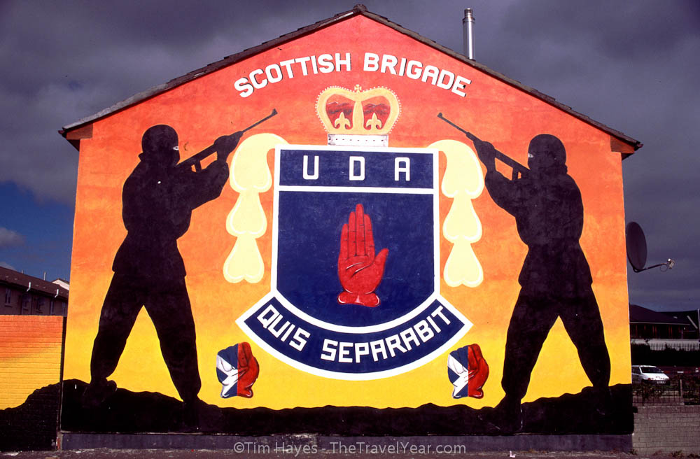Mural in Protestant Shankill Road area of Belfast honoring the Scottish Brigade of the Ulster Defence Association. The UDA is the largest Loyalist paramilitary organization in Northern Ireland.XXXXInscription reads, ''Scottish Brigade / UDA / Quis Separabit''